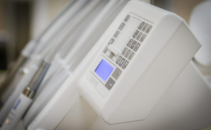 Nowoczesna technologia używana w salonach stomatologii estetycznej zdoła spowodować, że odbierzemy ładny uśmiech.