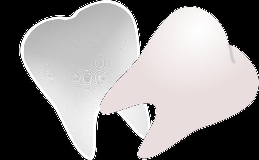 Przepiękne nienaganne zęby także świetny cudny uśmieszek to powód do płenego uśmiechu.